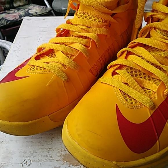 5328aea1e7ff Kobe 10 Elite low Hyperdunk from Nike. M 5bc646a9d6dc52be0fdb9f07